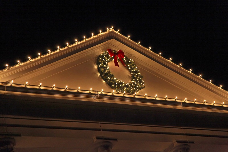 Hanging Christmas Lights Without Damaging Your Roof System