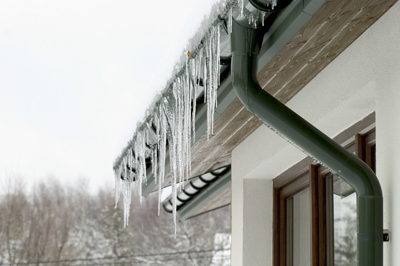 The Effects of Winter Weather on Your North Texas Roof System